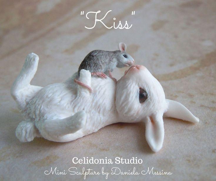 Celidonia+Studio+en:+Rabbit+and+Mouse+Kiss+1/12+-+Polymer+Clay+Mini+Scu...