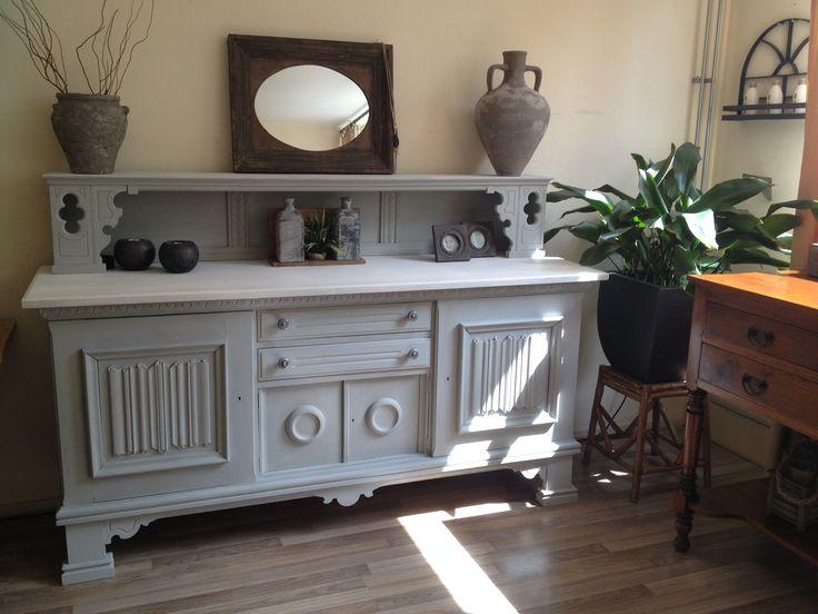 Een oude houten dressoir een 2e leven geven met Annie Sloan Old white @ Paris Grey