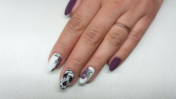 skull nails  flower nails https://www.facebook.com/nailartdesignsalice/