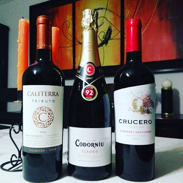 Llegaron los regalitos para @cloud_barros de @la.cav #Codorniu #Caliterra #Crucero #sparklingwine #wine