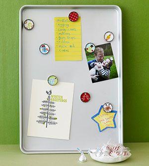 Bottle cap magnets.Bottlecap Magnets, Crafts Ideas, Holiday Gift, Christmas Crafts, Magnets Boards, Handmade Gift, Fingerprints Art, Christmas Gift, Bottle Cap Magnets