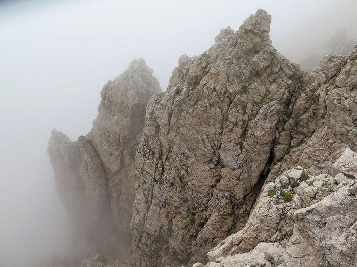 #Südtirol #Altoadige #Dolomiti #Dolomites #Rosengarten #Mountain #Klettersteig #SentieroMasaré #Nebel #Fels #Madonna