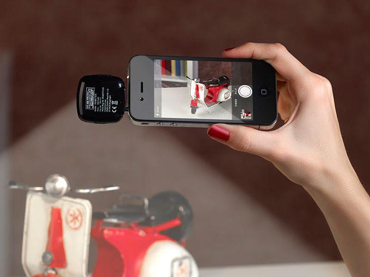 http://www.pocketpc.ch/magazin/testberichte/review-app-gesteuerte-led-videoleuchte-von-pearl-im-test-40701/  App-gesteuerte LED-Videoleuchte für Smartphones & Co., 16 Power-LEDs: http://www.pearl.ch/ch-a-PX8851-1059.shtml?vid=613&wa_id=26&wa_num=1