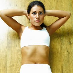 Tie správne cviky na spodné brucho