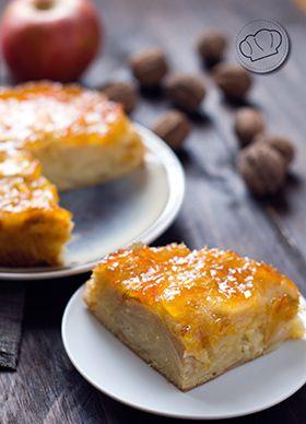 """Una de las tartas que más veces he comido """"in my life"""". Más tradicional que prepararla para todos los cumpleaños no hay nada. Sencilla, de siempre, rica. De manzana."""