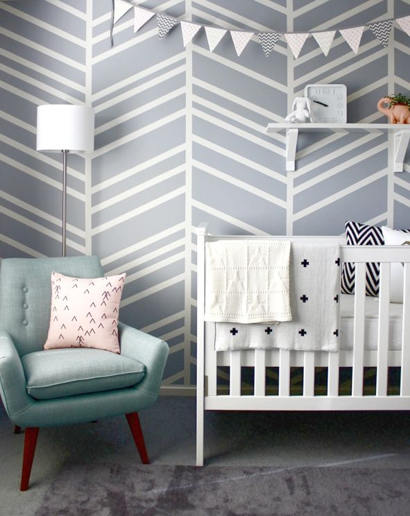 This pattern as an accent wall in either grey or the deep sea green.