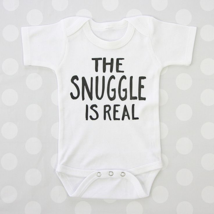 Seriously how cute is this! Haha make this baby bodysuit your own by customizing the vinyl & onsie color!