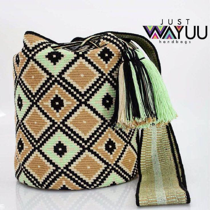 209 отметок «Нравится», 2 комментариев — Just Wayuu (@just.wayuu) в Instagram: «What it takes to make a crochet bag like this? 1. Several days of you month (21 days), 2.…»