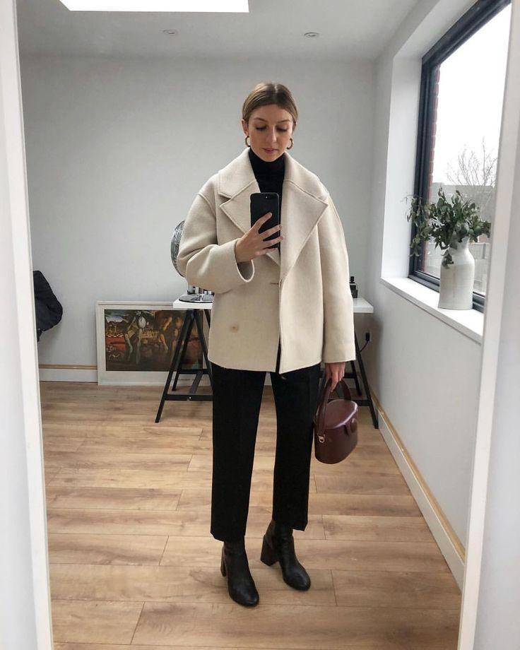 """Brittany Bathgate auf Instagram: """"Hallo Beine, diese Dinge verstecken sich normalerweise in knöchellangen Mänteln. Längere Mäntel waren für mich schon immer eine Komfortdecke (und buchstäbliche Decke"""