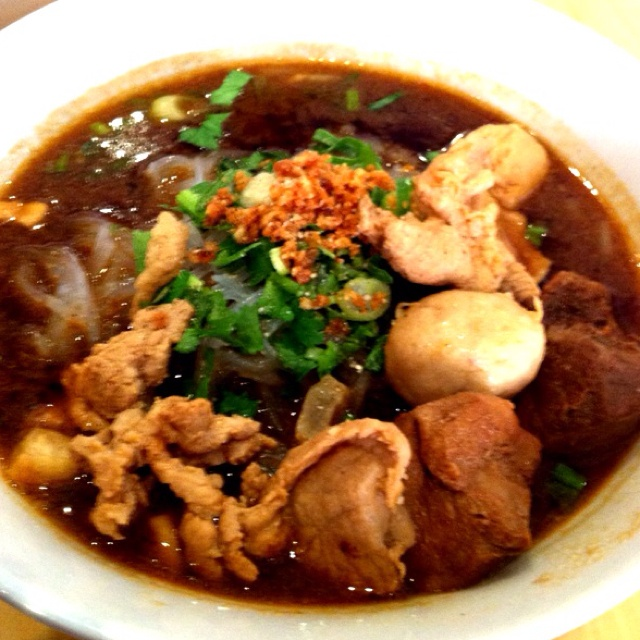Pork ball w/noodle in spicy soup