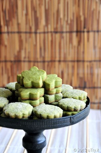 Matcha Shortbread Cookies (抹茶酥餅) are my favorite cookies to share around Chinese New Year!