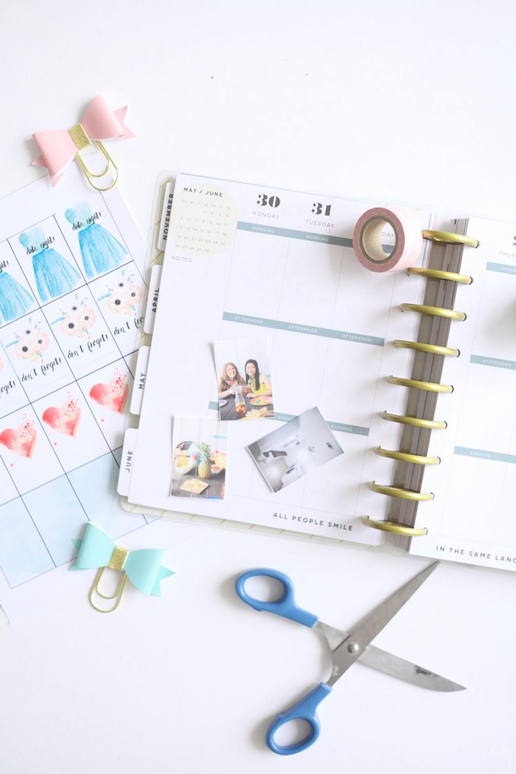 Make your own planner stickers - it's easy! Plus, enjoy free downloadable stickers!