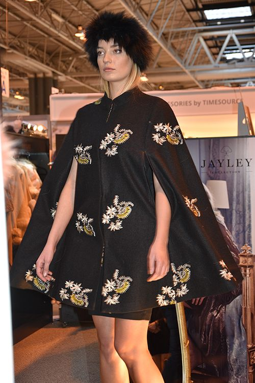 Embroidered Cape JayLey Catwalk Spring Fair 2016