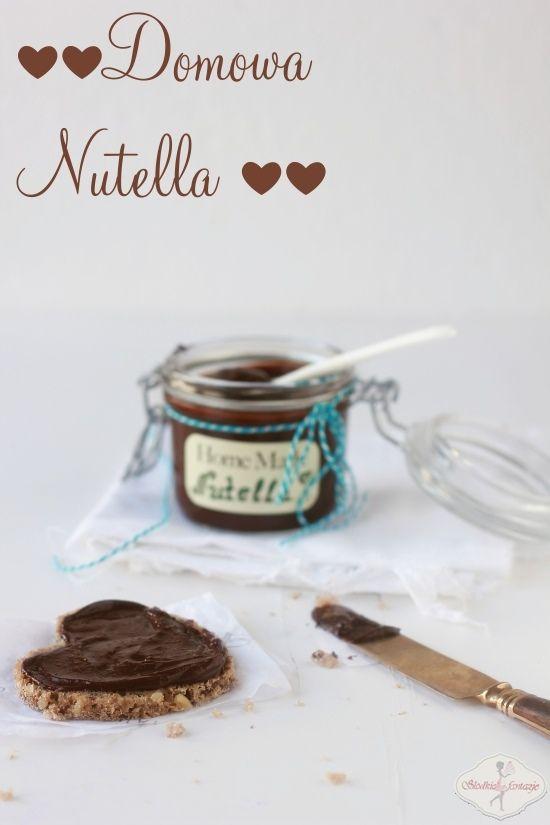 Pyszna domowa, zdrowa nutella. Z dużą ilością orzechów i kakao. Dzieciaki za nią przepadają. :)