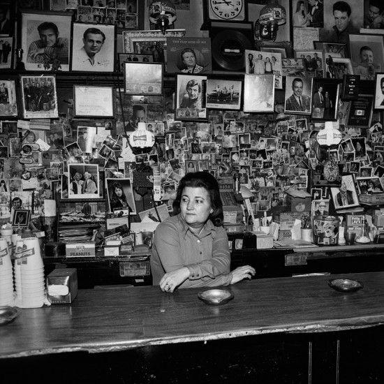 Wanda Behind the Bar, Tootsie's Orchid Lounge