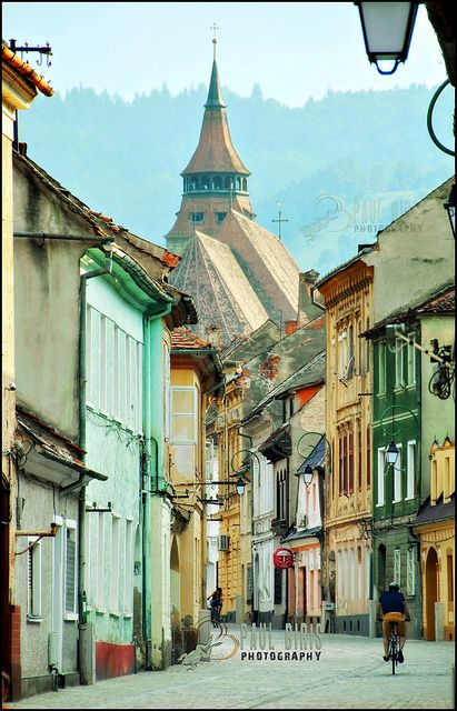 Wonderful Cluj, Romania / streets and passages / http://www.travelandtransitions.com/european-travel/