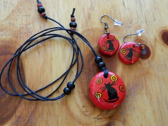 Cat Earrings and Necklace Red color por TallerCabalissima en Etsy