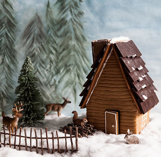 The cutest gingerbread log cabin! With free template and recipe. Styling and pic by China Squirrel.