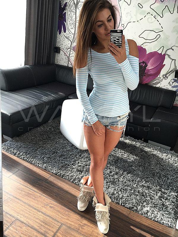 X221 baby blue BLUZKA W PASKI WYCIĘTE RAMIONA WASSYL | Creative Fashion