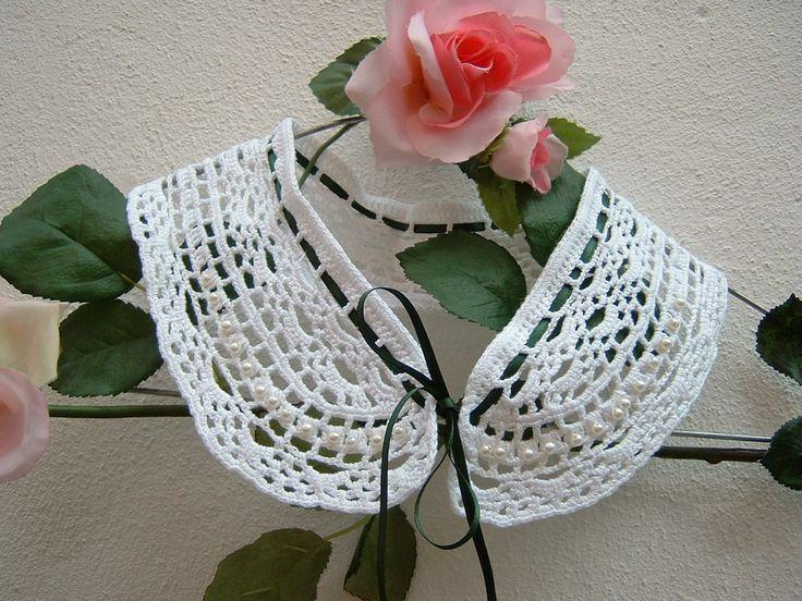 Colletto elegante in pizzo bianco eseguito a mano all'uncinetto. Crochet moda donna romantica e femminile : Sciarpe, foulard, cravatte di i-pizzi-di-anto