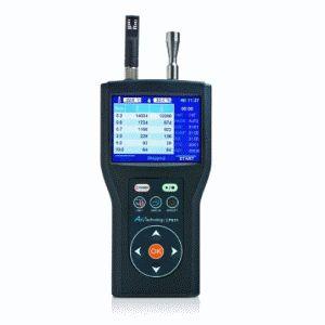 http://www.termometer.se/Handinstrument/Luftkvalitet-Miljo/Partikelmatare-laserdiodbaserad-P611-6-kanalers-matning-fran-03-100-um.html  Partikelmätare,  laserdiodbaserad, P611, 6 kanalers mätning från 0,3-10,0 µm  Laser Partikelmätare P611  P611 är en exakt, användarvänlig handhållen partikelmätare. Den stora färgskärmen visar 6 kanaler med kumulativa värden och differentiell partikelmätning simultant. P611 sparar upp till 10.000 mätningar i minnet, vilket kan ses på enhetens display...