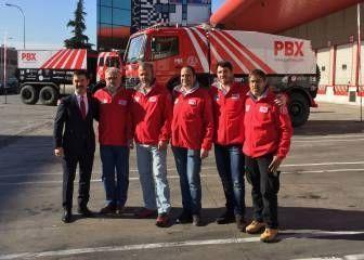 Rafa Tibau vuelve al Dakar con Palibex y un camión de 1.300 CV http://www.charlesmilander.com/noticias/2017/11/rafa-tibau-vuelve-al-dakar-con-palibex-y-un-cami%C3%B3n-de-1300-cv/es Como ganar dinero en las redes sociales? clic http://amzn.to/2hgd6Me