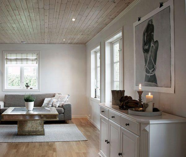 Oppussing White living room