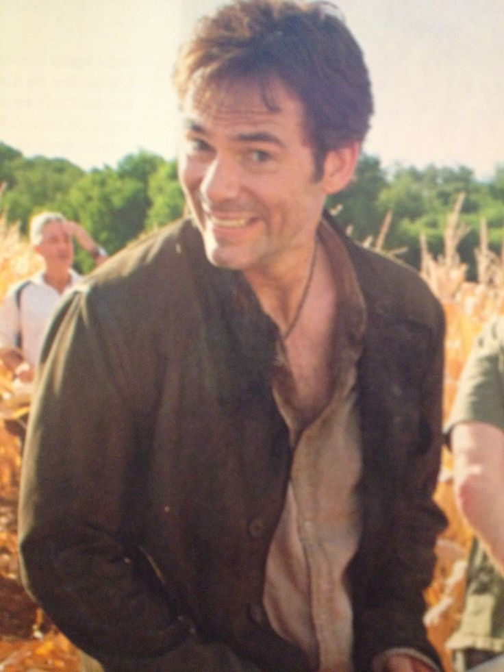 I did not know Billy Burke could smile like this.