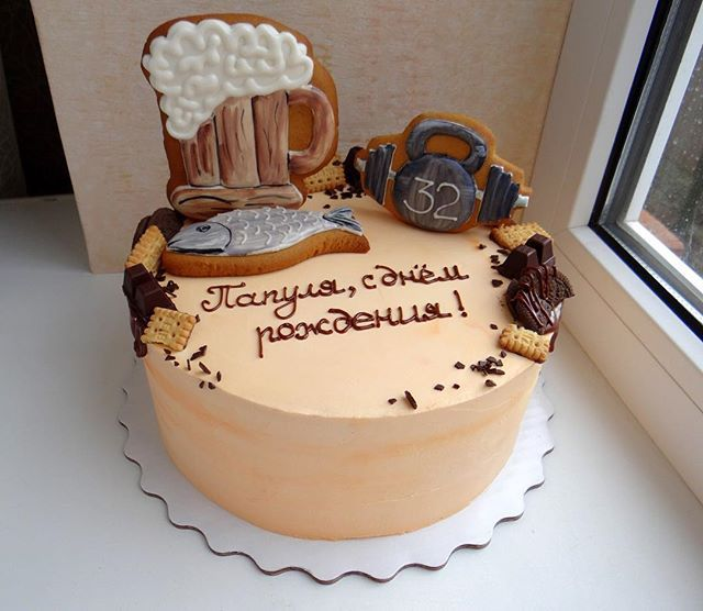 Такой торт – оригинальный подарок мужчине, который позволит подчеркнуть его сильные стороны или напомнить о мечте и маленьких радостях, делающих нашу жизнь светлее.