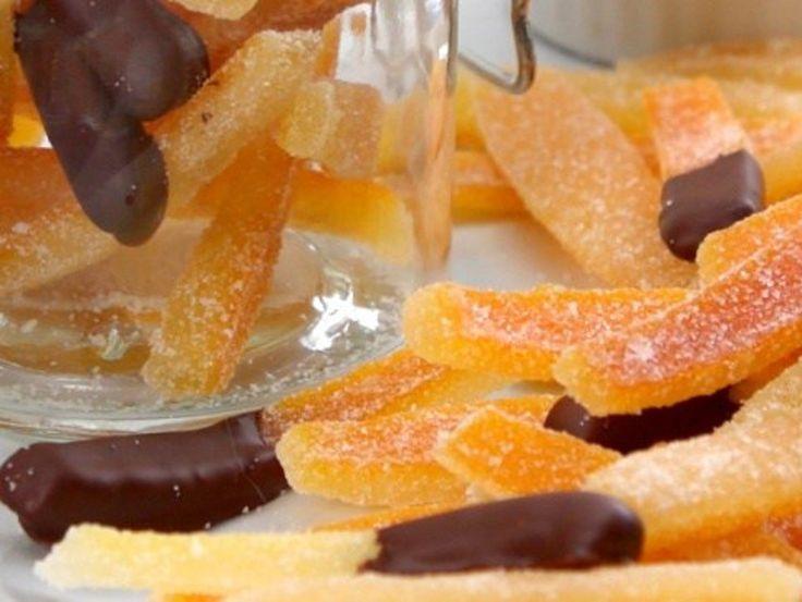 Ne jetez plus jamais vos pelures d'oranges! Vous pouvez en faire de délicieux bonbons...