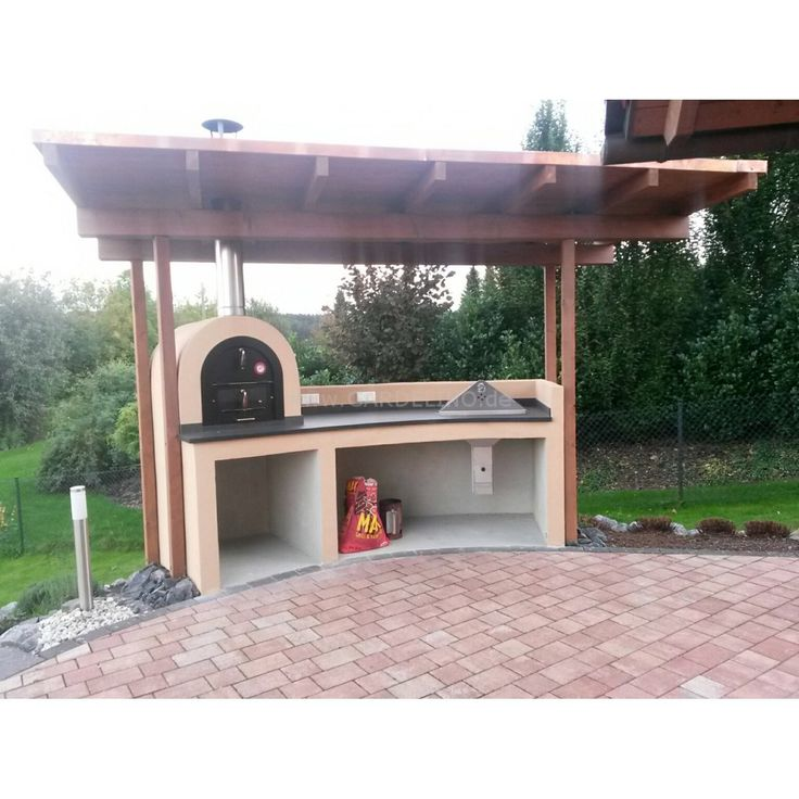 Überdachte Back-und Grillstation mit Valoriani Pizzaofen und Holzkohle Grill // Baking and grill station with Valoriani piizza oven and a roof