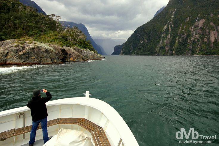 Milford Sound, Fiordland, South Island, New Zealand | dMb Travel - Travel with davidMbyrne.com