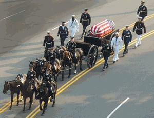 US Air Force At President Ronald Reagan Funeral #USA, #americanflag, #pinsland, https://apps.facebook.com/yangutu