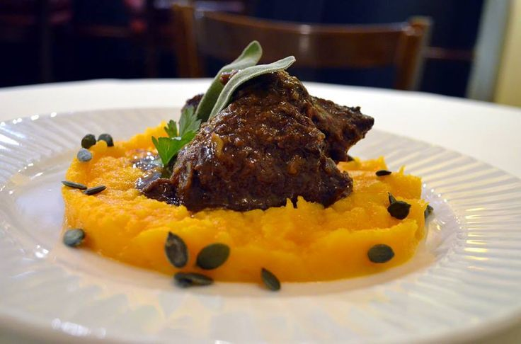 Hovězí líčka na Marsale v restauraci U Čiriny