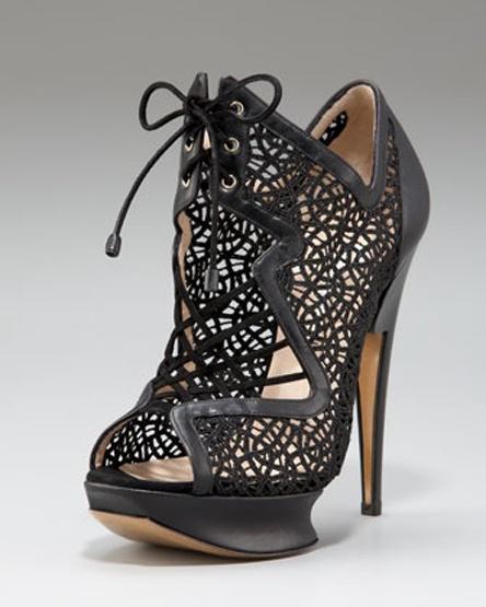 Glittered Macrame Lace-Up Platform Sandal #bugieitalia #macrame #moda #shoes #macramè