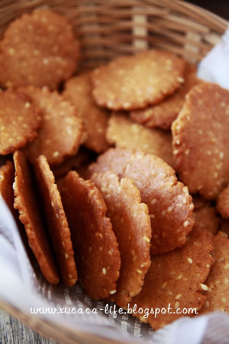 好多食谱之前不曾尝试过的, 新的一年里,开始学习、开始挑战。 慢慢摸索、缓缓拿捏,还真是种乐趣。 香脆鸡仔饼(Crispy Kampar Chicken Biscuits) ...