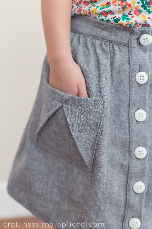 craftiness is not optional: Sewing for Kindergarten-Hopscotch skirt & shirt