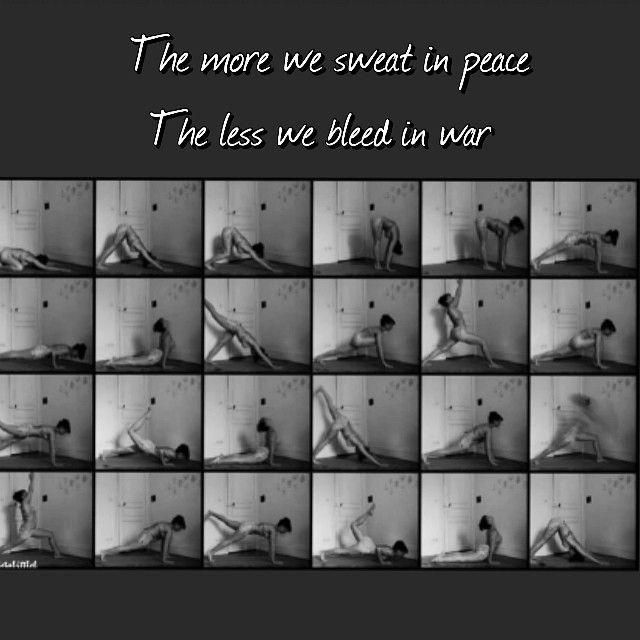 """Sweat in peace, so you will not bleed in war"" Vijaya Lakshmi Pandit ❤️ #sweat #peace #beyogi #vinyasa #flow #laiayoga Photo credit @laietalittlelphoto"