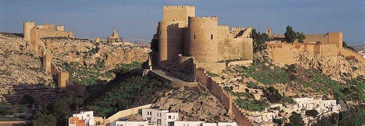 Alcazaba de Almería, Siglo XI. Arquitectura militar.