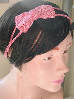 Crochet headband with a bow, Soo freakn cute