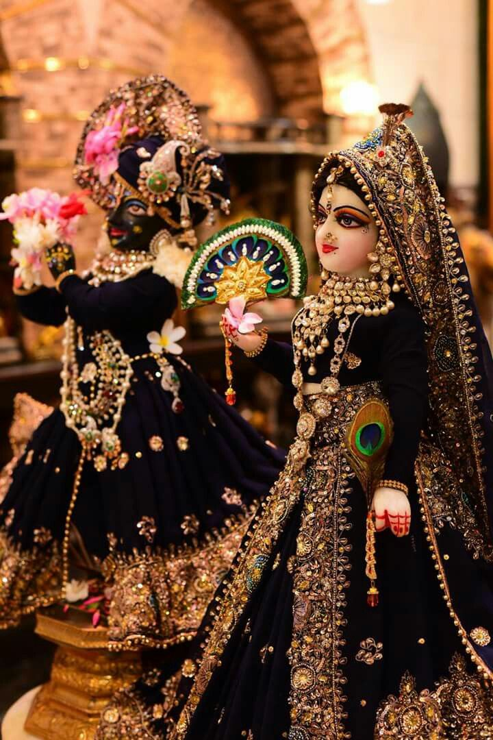 Pin By Shreya Bhat On Shri Nikunj Bihari Lal G Krishna Wallpaper Radha Krishna Holi Lord Krishna Wallpapers