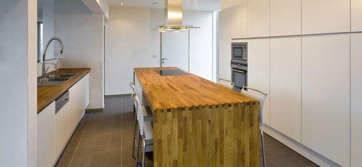 Houten werkblad met witte keuken keuken pinterest met and koken - Keuken witte tafel ...