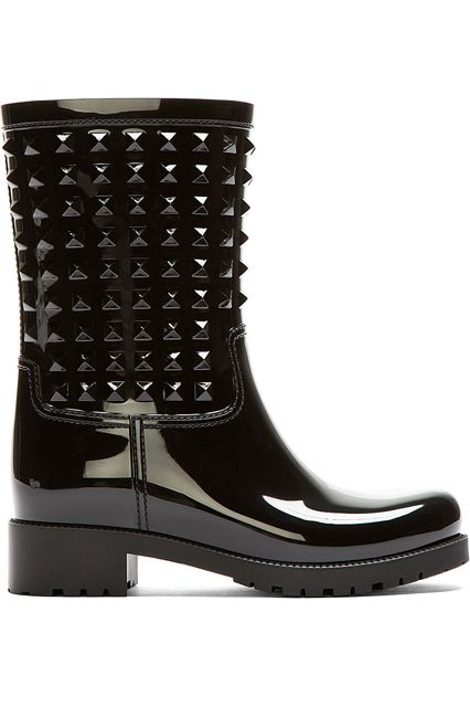 31 Stylish Rain Boots You'll Want To Wear Rain or Shine #refinery29  http://www.refinery29.com/fall-rainboots#slide21