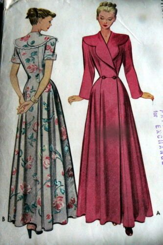 LOVELY VTG 1940s HOUSECOAT robe pink solid white silver floral Sewing Pattern BUST 44