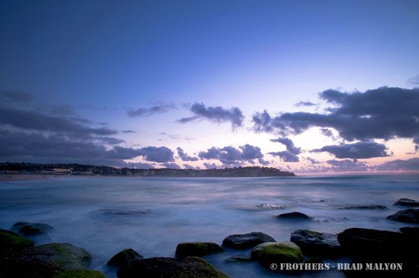 Frothers.com.au - 25 Oct 10 - Before dawn - Bondi
