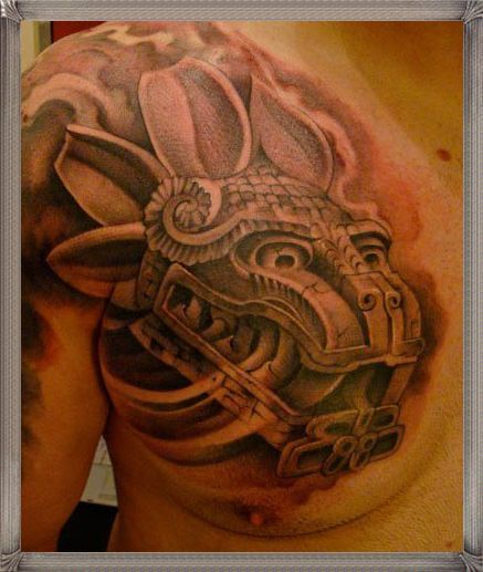 Tatuajes de quetzalcoatl en fuego