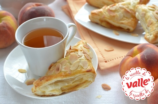 Sfoglie calde e profumate per un dolce risveglio. Che piacere fare colazione!