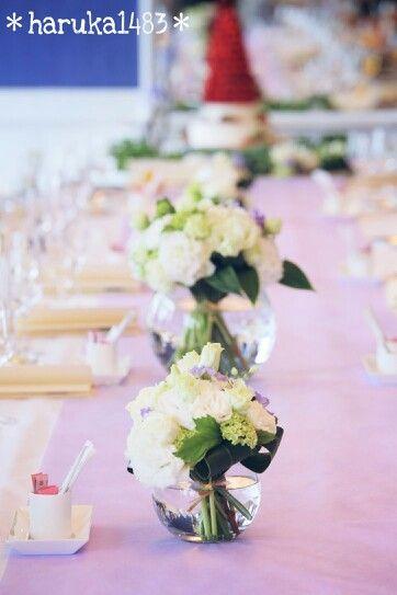 *my wedding flower*会食会場の装花♡6月の挙式だったため涼しい感じでお願いしました♪花器は大小交互に♪#ウェディング#会場装花
