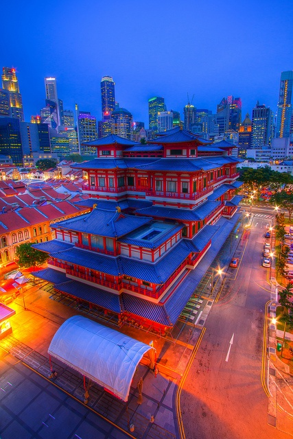Buddha Tooth Relic Temple, Chinatown, Singapore by Shutter wide shut, via Flickr