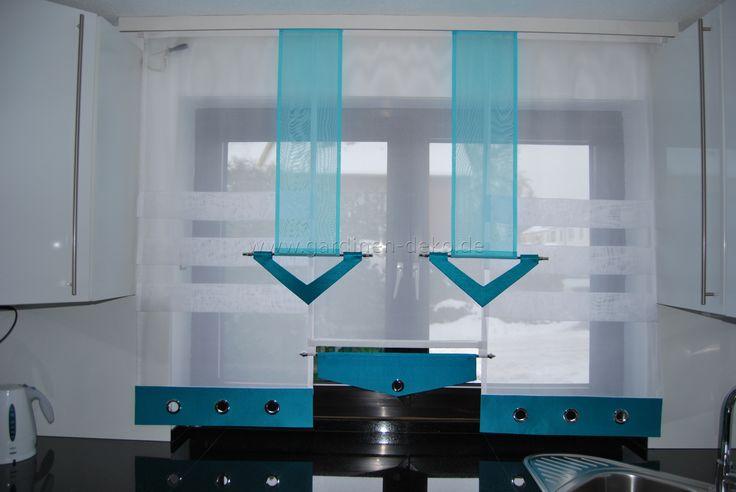 Stufenvorhang für die Küche in edlem türkis und weiß mit Ösen - http://www.gardinen-deko.de/stufenvorhang-fuer-die-kueche-edlem-tuerkis-und-weiss-mit-oesen/